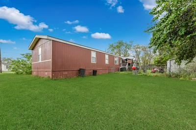 617 GOLDEN BEND DR, Highlands, TX 77562 - Photo 2