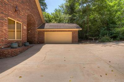 1617 AVENUE R, Huntsville, TX 77340 - Photo 2