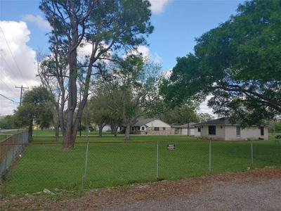 2042 COUNTY ROAD 99, ALVIN, TX 77511 - Photo 2