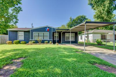 5646 BELARBOR ST, Houston, TX 77033 - Photo 1