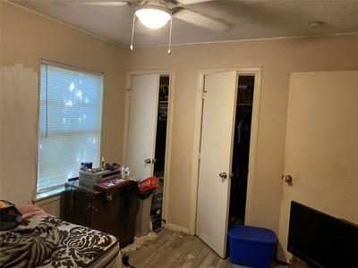 5223 PENSDALE ST, Houston, TX 77033 - Photo 2