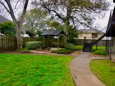 1603 LAURAINE ST APT C, Brenham, TX 77833 - Photo 2