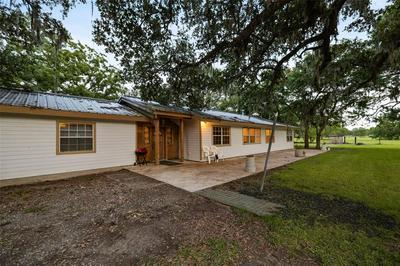 5058 COUNTY ROAD 517, Brazoria, TX 77422 - Photo 2