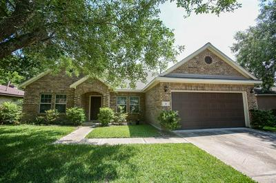 4 LOBO CT, Angleton, TX 77515 - Photo 2