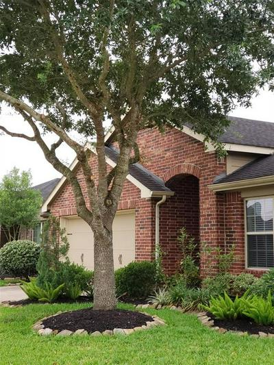 1815 MANCHESTER CROSSING DR, Fresno, TX 77545 - Photo 2
