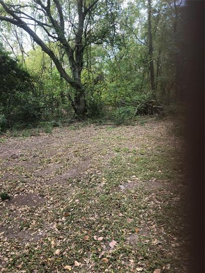 510 BRADSHAW ST, Terrell, TX 75160 - Photo 2
