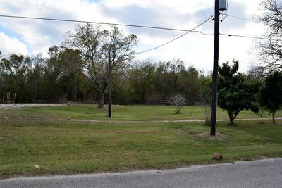 10 COUNTY ROAD 102, Bay City, TX 77414 - Photo 2