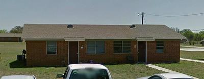 621 JEFFERSON ST, SANTA ANNA, TX 76878 - Photo 1
