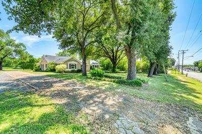 702 E MAIN ST, Madisonville, TX 77864 - Photo 1