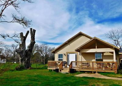 228 SAN FELIPE RD, Sealy, TX 77474 - Photo 2
