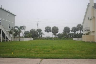 14414 SPY GLASS CIR, Galveston, TX 77554 - Photo 2