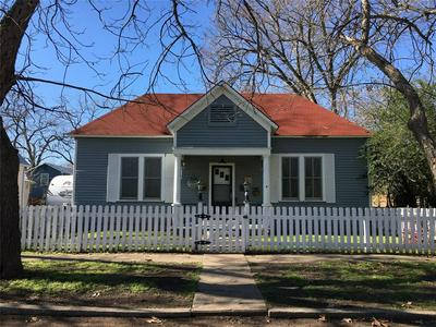 405 SHORT ST, SMITHVILLE, TX 78957 - Photo 1