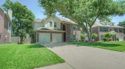 426 N HAMPTON CT, Highlands, TX 77562 - Photo 1