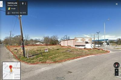 7210 ST LO RD, Houston, TX 77033 - Photo 1