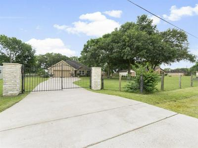 9109 KING DR, Manvel, TX 77578 - Photo 1
