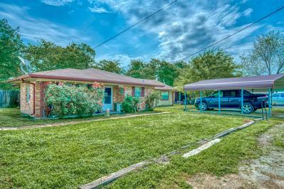 508 N COMMERCE ST, Madisonville, TX 77864 - Photo 1