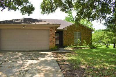 1002 HICKORY POST CT, Tomball, TX 77375 - Photo 2