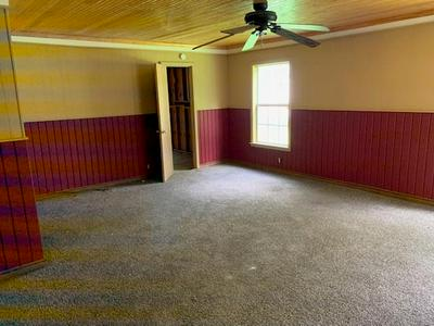 419 W MAIN ST, Yorktown, TX 78164 - Photo 2