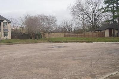 131 SQUIRES BND, Stafford, TX 77477 - Photo 2