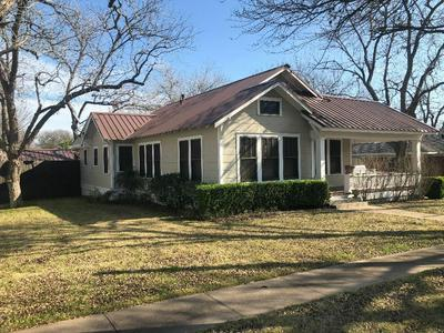 812 WEST AVE, Schulenburg, TX 78956 - Photo 1