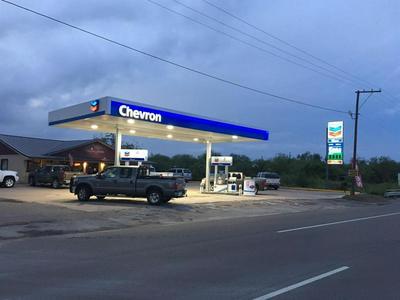 311 S SMITH AVE, Hebbronville, TX 78361 - Photo 1