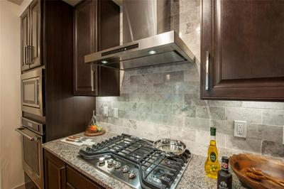 10401 TOWN AND COUNTRY WAY APT 505, HOUSTON, TX 77024 - Photo 2