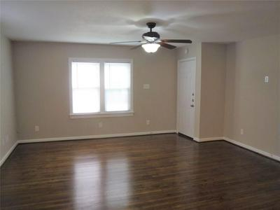 6310 AMBER DR, Hitchcock, TX 77563 - Photo 2