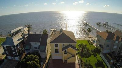 705 BAY AVE, KEMAH, TX 77565 - Photo 1