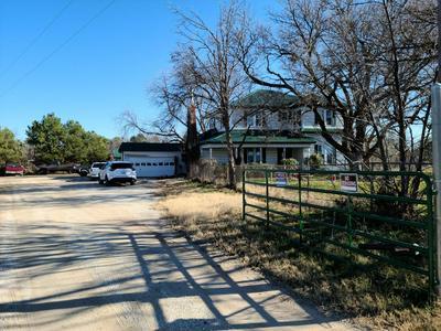 581 JOLLY ROGERS RD, Abilene, TX 79601 - Photo 2