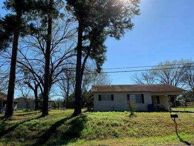 1327 S CASS, Centerville, TX 75833 - Photo 1