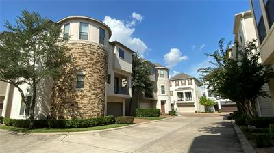 3102 PEMBERTON RDG, Houston, TX 77025 - Photo 1