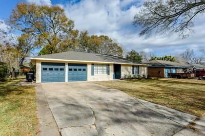 5722 FIRENZA DR, Houston, TX 77035 - Photo 2