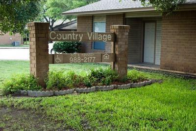 1500 HACKBERRY LN, MATHIS, TX 78368 - Photo 2