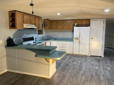102 N 6TH ST, Highlands, TX 77562 - Photo 1