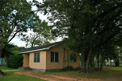 407 N MEYER ST, Sealy, TX 77474 - Photo 2
