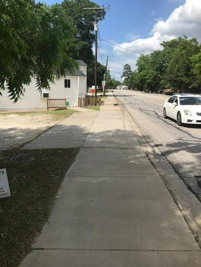 2618 MONTGOMERY RD, Huntsville, TX 77340 - Photo 2