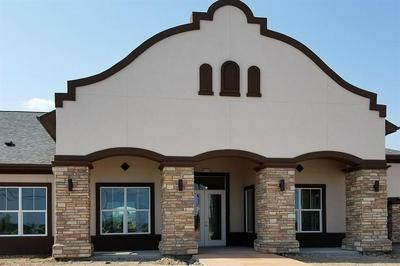 2132 E WISCONSIN RD, Edinburg, TX 78542 - Photo 1