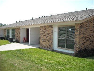 114 W 10TH ST, Nixon, TX 78140 - Photo 1