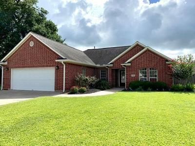 115 CANVASBACK DR, Clute, TX 77531 - Photo 1