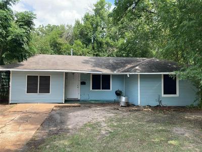 5223 PENSDALE ST, Houston, TX 77033 - Photo 1