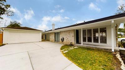 12022 DORRANCE LN, Stafford, TX 77477 - Photo 2