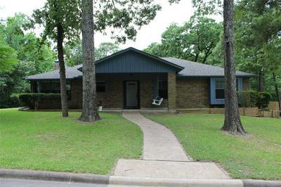 1901 E LAKE DR, Huntsville, TX 77340 - Photo 1