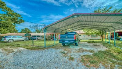 508 N COMMERCE ST, Madisonville, TX 77864 - Photo 2