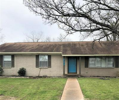 620 W HOUSTON ST, LOVELADY, TX 75851 - Photo 2