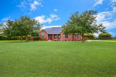 2357 SETTLERS WAY DR, Sealy, TX 77474 - Photo 2