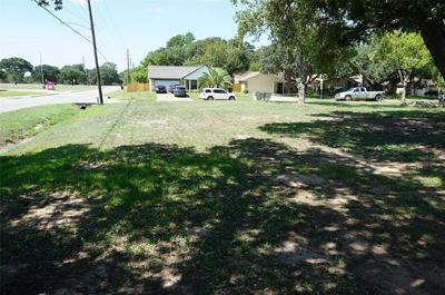 1615 EAGLE LAKE RD, Sealy, TX 77474 - Photo 2