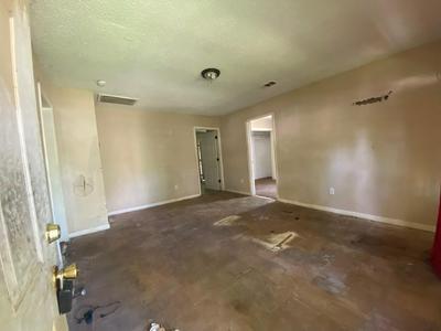 5210 ANZIO RD, Houston, TX 77033 - Photo 2