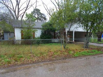 702 E SAN JACINTO AVE, CROCKETT, TX 75835 - Photo 1