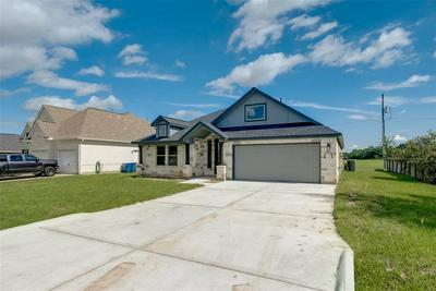 9707 HIGHLAND POINTE DR, Needville, TX 77461 - Photo 2