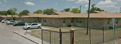 1801 BOSQUEZ ST, ROBSTOWN, TX 78380 - Photo 2
